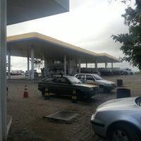 Photo taken at Posto Ipiranga - Autoposto Rei do Petroleo by Edgar Luiz G. on 8/23/2012