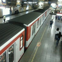 Foto tomada en Metro República por Carolina M. el 11/4/2011