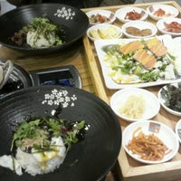 Photo taken at B빔밥 by Lee Y. on 11/5/2011