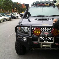 Photo taken at Top Up 4x4 Centre by Mohd Izwan N. on 3/22/2011