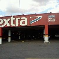 Foto tirada no(a) Extra Hipermercado por Marta T. em 8/13/2012