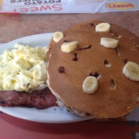 Photo taken at Denny's by Raul B. on 9/7/2012