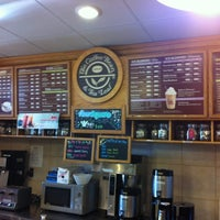 Photo taken at The Coffee Bean & Tea Leaf by Lonnie C. on 4/24/2012
