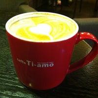 Photo taken at Caffè TIAMO by Sigrid B. on 6/21/2012