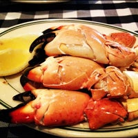 Photo taken at Joe's Stone Crab by Adrian E. on 5/9/2012