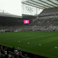 Photo taken at St James' Park by Bongjun H. on 7/26/2012
