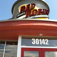 Photo taken at Red Robin Gourmet Burgers by Jennifer S. on 4/27/2012
