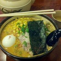 Photo taken at Santa Ramen by Hung L. on 11/17/2011