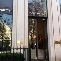 Das Foto wurde bei Louis Vuitton von Laurent P. am 9/27/2011 aufgenommen