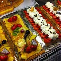 Foto tomada en Pastisseria Lliso Lis por Maurici R. el 7/24/2011