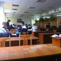 รูปภาพถ่ายที่ Научная библиотека БНТУ โดย Dima S. เมื่อ 6/5/2012