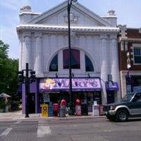 Photo prise au Hamburger Mary's par Douglas F. le6/23/2012