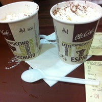 Foto tirada no(a) McDonald's por Priscila V. em 7/31/2011