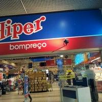 Foto tirada no(a) Hiper Bompreço por Daniel S. em 2/16/2012