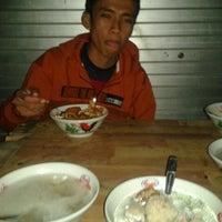 Photo taken at bakso Cak Ndo by Sutan M. on 8/24/2012