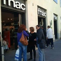 Photo taken at Fnac by Mora F. on 11/26/2011