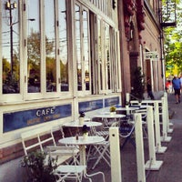 5/12/2012 tarihinde Mandyziyaretçi tarafından Oddfellows Cafe & Bar'de çekilen fotoğraf