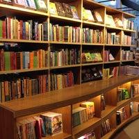 Foto tirada no(a) Livraria Cultura por João F. em 9/13/2012