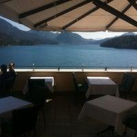 Das Foto wurde bei Schloss Fuschl Resort & Spa, Fuschlsee-Salzburg von Frank R. am 3/22/2012 aufgenommen