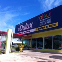 Photo taken at Dulux Colour Design Center ปราจีนบุรี by Charn T. on 7/26/2011