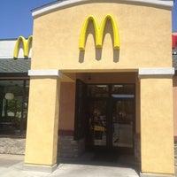 6/18/2012にSherri P.がMcDonald'sで撮った写真