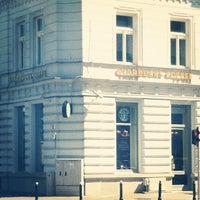 Снимок сделан в Starbucks пользователем Natan E. 8/19/2012