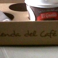 Foto tomada en Tienda Gualilo por Yadira M. el 5/29/2012