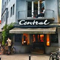 Das Foto wurde bei Café Central von Marat am 8/15/2012 aufgenommen