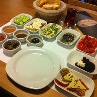 รูปภาพถ่ายที่ Semolina Kafe & Restoran โดย Erdem T. เมื่อ 1/11/2012