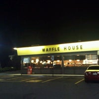 Photo taken at Waffle House by Brian H. on 10/10/2011