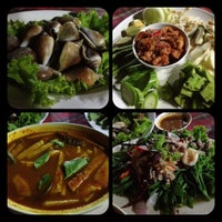 Photo taken at Pa Lai Seafood Restaurant by Linsanovy B. on 8/4/2012