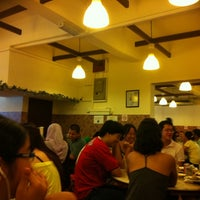Photo taken at Nasi Lemak Antarabangsa by Vivien N. on 5/15/2011