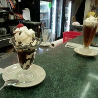 Photo taken at Highland Park Old-Fashioned Soda Fountain by Ojaniram on 1/15/2012