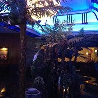 Foto tirada no(a) Sake House por Chelsea S. em 6/17/2012