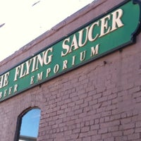 Photo taken at Flying Saucer Draught Emporium by  ℋumorous on 1/31/2011