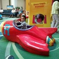 9/22/2011にRick S.がWoodland Hills Mallで撮った写真