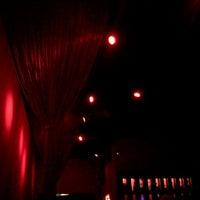 รูปภาพถ่ายที่ Crimsin โดย Alma เมื่อ 9/2/2011