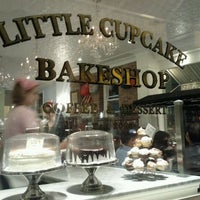 Photo taken at Little Cupcake Bakeshop by Kaylee🌴 A. on 9/17/2011