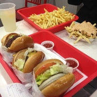 Photo taken at In-N-Out Burger by Nathan on 6/29/2012