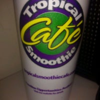 Photo taken at Tropical Smoothie Cafe by Charlie E. on 2/9/2012