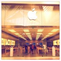 Foto scattata a Apple Centro Sicilia da Andrea B. il 6/26/2012