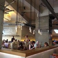 Снимок сделан в Sophie's Steakhouse & Bar пользователем Ged i. 5/26/2012