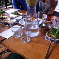 7/17/2012 tarihinde Merve Meryemziyaretçi tarafından Cafe 12'de çekilen fotoğraf