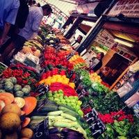 Das Foto wurde bei Naschmarkt von Will M. am 7/14/2012 aufgenommen