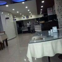 5/17/2012 tarihinde Ömür K.ziyaretçi tarafından Alo 24 Pide & Kebap'de çekilen fotoğraf