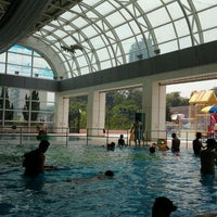 Photo taken at Ho Man Tin Swimming Pool 何文田游泳池 by Dian X. on 8/2/2012