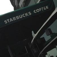 4/15/2012 tarihinde Erdal K.ziyaretçi tarafından Starbucks'de çekilen fotoğraf