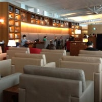 Photo taken at Asiana Lounge Business Class by hesisi on 8/27/2012