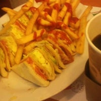 Foto tomada en Bertico Café por Alberto O. el 3/17/2012