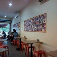Photo taken at 328 Katong Laksa by Christine L. on 6/22/2012